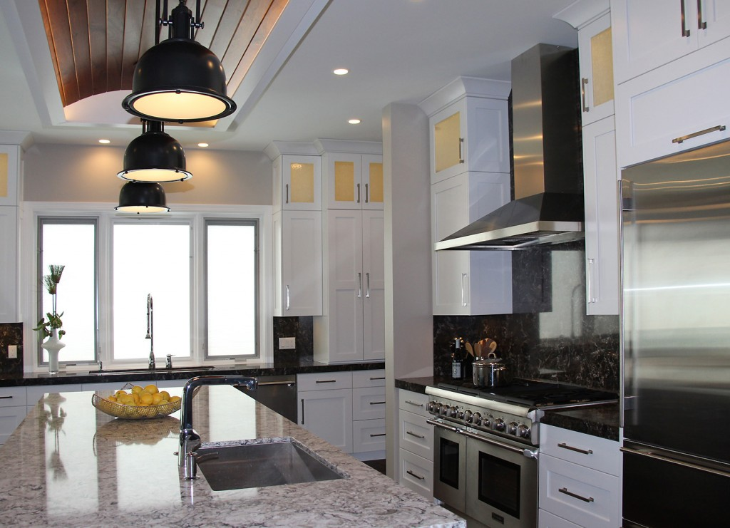 Transitional Style Kitchen   A Blend Of Contemporary And Traditional.